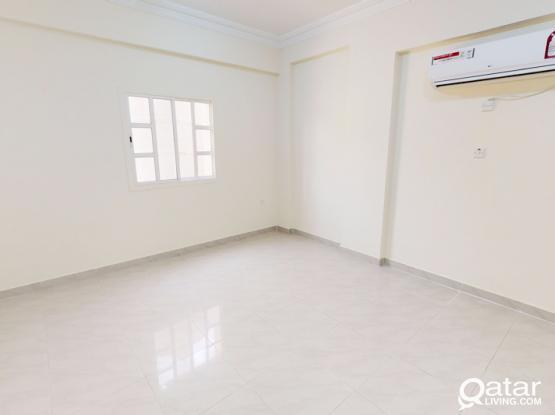 Two bedrooms Unfurnished flat in Madinat Khalifa