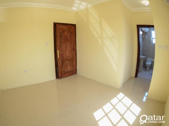 Unfurnished 3- Bedroom Apartment: Bin Mahmoud