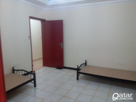 Singal&dobel Room available near al meera mansoora