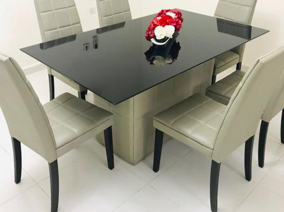 Dining table with 6 chair Home center