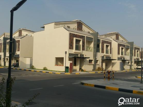 EUROPEAN STYLE New 4 BED SF VILLA ( No Commission )