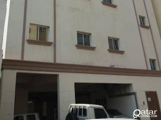 !!! THREE BEDROOM APARTMENT IN OLD GHANIM NEAR MRA RESTAURANT,BANK STREET!!!