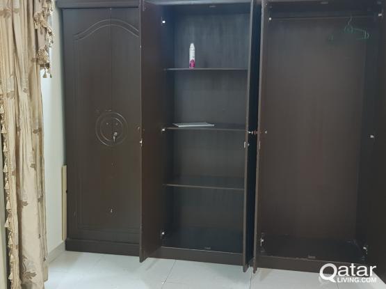 6 door big wardrobe with 2 full size mirror