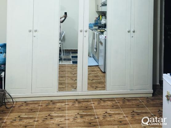 6 doors white cabinet