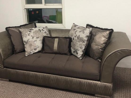 3+2+2 perfect condition sofa