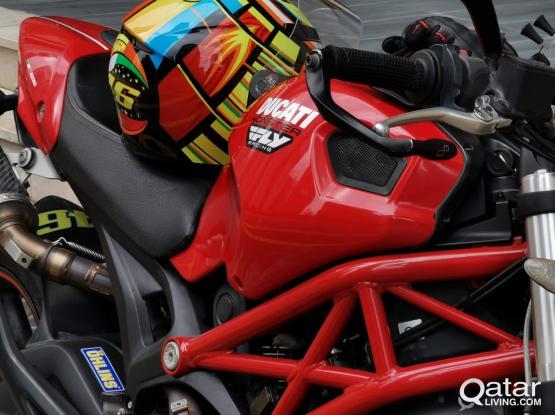 Ducati Monseter 696 2011