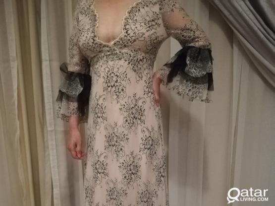 Ladies dress, brand new, size 8