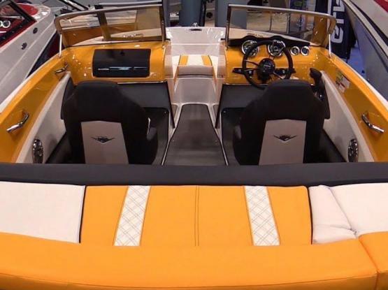 Glastron GTS 250 motor boat walk around 2015