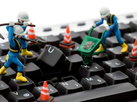 Computer Repair Service- صيانة اجهزة الكمبيوتر