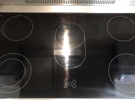 LG Professional Cooker, Vitoceramic cooker, Electrical Oven and turbo Fan