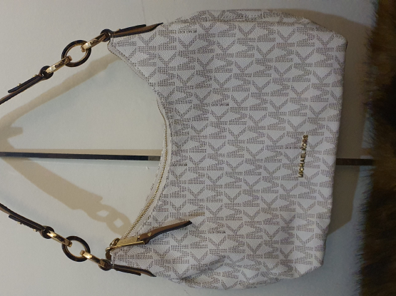Authentic Michael Kors Hobo Medium