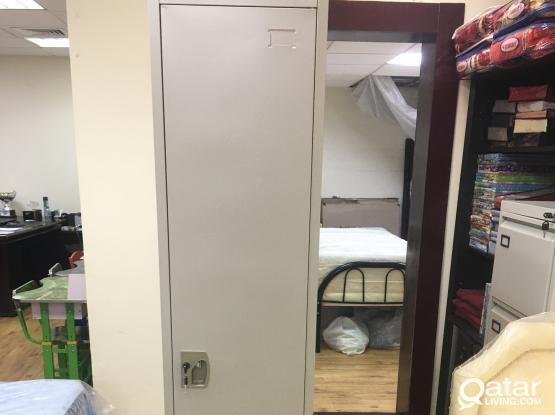 BRAND NEW SINGLE DOOR STEEL LOCKER FOR SALE -CALL: +97477850533