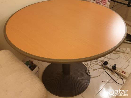 Round table in V.good condition for sale