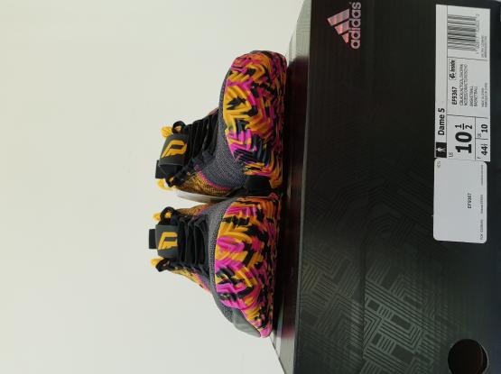 Adidas Dame 5 / Dame V Size 10.5 US