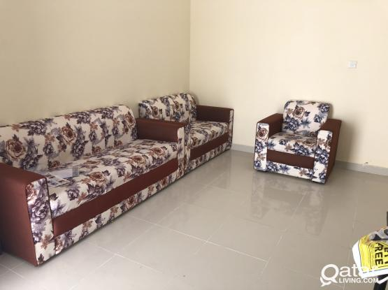 2 bhk available behaind commercial bank in alkhor only walking distance one mints also no single partition