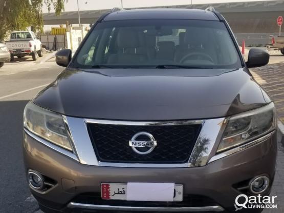 Nissan Pathfinder SV 2014