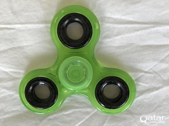 Small set of toys, Glow in the dark Fidget spinner, Fidget toy, yoyo, Ben 10 wallet