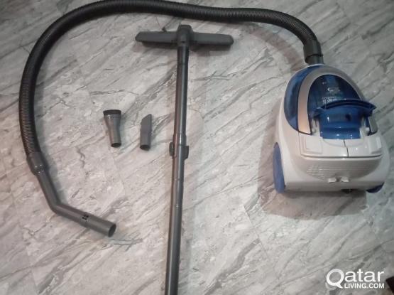 Hitachi Vacuum Cleaner 1800 Watts Excellent Condition