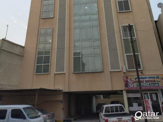 4 ROOMS   6-FLATS FOR EXECUTIVE BACHELORS READY TO RENT WITHOUT PAYING COMMISSION