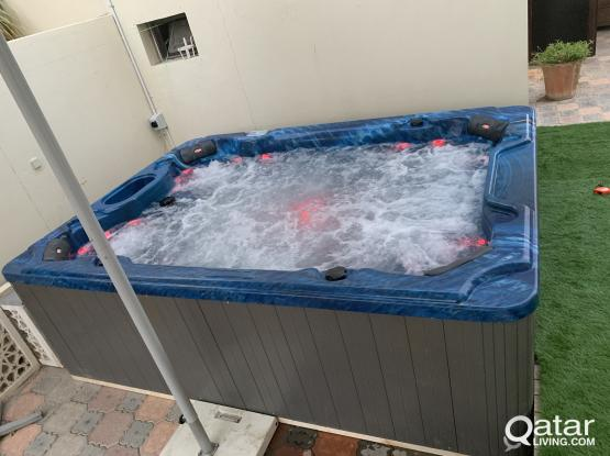 Hot tub jaccouzi for sale