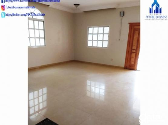 5 BHK Unfurnished Stahd Alone Villa Abu Hamour