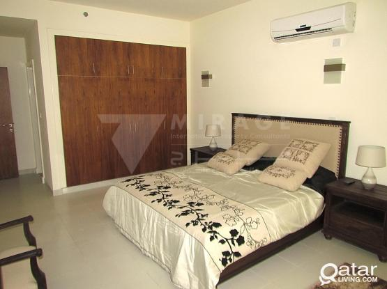 Modern 2-bed furnished apartments with gym (AP898)