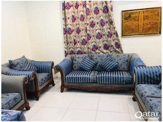 For sell 7 setter sofa set(3+2+1+1)