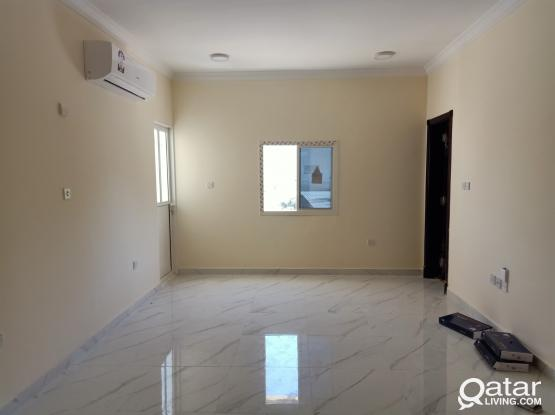 3881 Unfurnished 2 BHK Apartment for Rent in Al Wakra