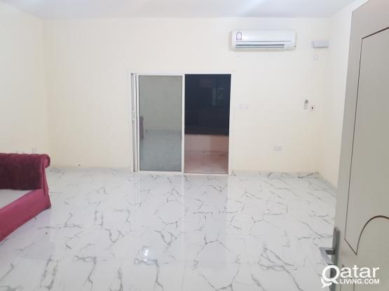 2 bhk  spacious at alnasar near doha clinic4500 qr  شقه بالنصر غرفتين وصالة وحمام ومطبخ وبلكونه