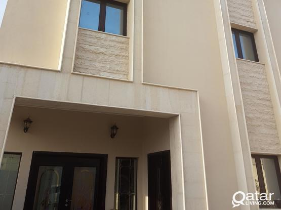 discounted price for familys only 2000 QR   1bhk  include electric water near nuija hilal ground floor
