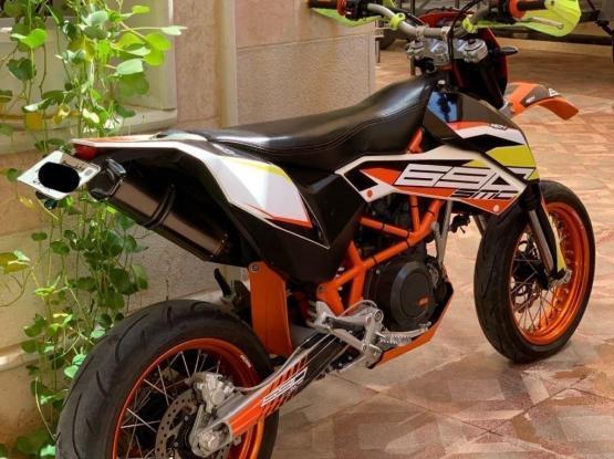 KTM 690 SMC-R 2011