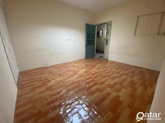 Spacious Studio Ground Floor In Mamoura No Commsion