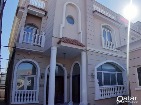 Standalone villa 8 BHK for sharing Family or Ladies Staff