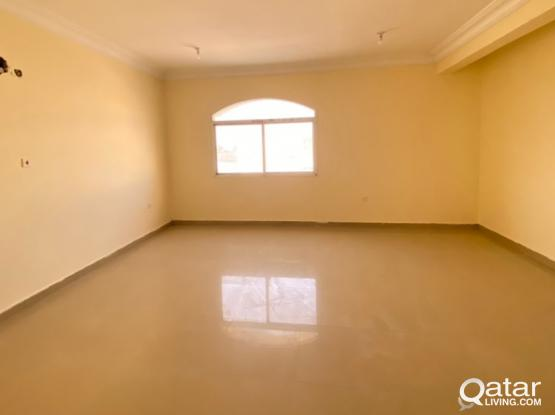 No Commission!! Bachelor 5 Bedroom Villa in Abu Hamour