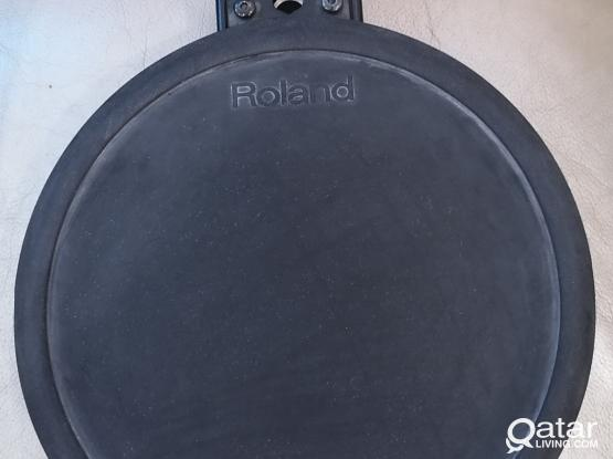 Roland dual trigger pad... ...Hi hat stand (heavy duty)),  , hi-hat controller, Maxtone double pedal   and Montarbo MP4