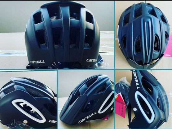Helmet & Gloves