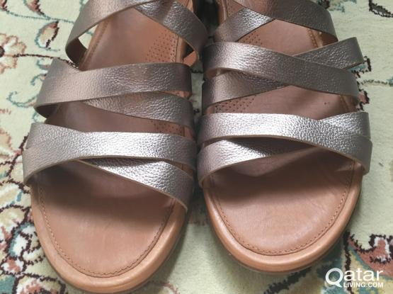 Fitflop sandals used twice in excellent condition size 6 UK