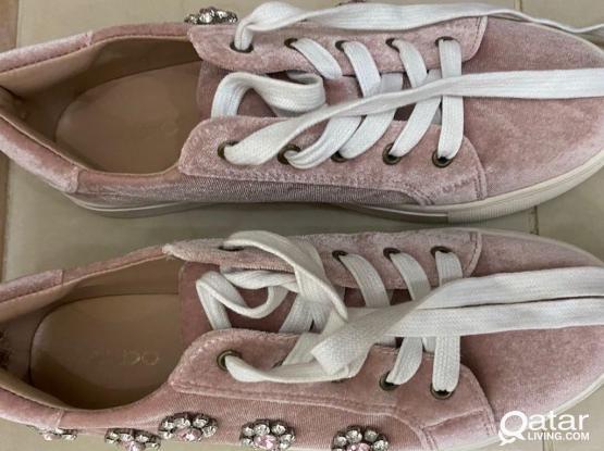 Aldo - Light Pink Sneaker