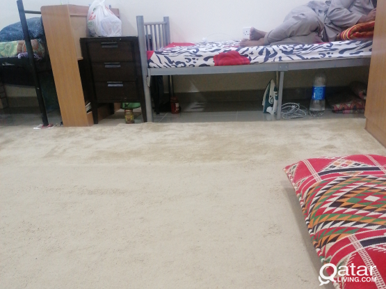 Bed space available for 650qr near oqba ibn nafie