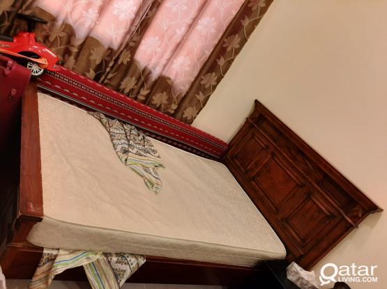 Bedroom set + singal bed wakrah