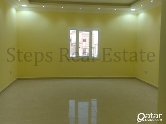 9 Bedroom Villa For Sale in Umm Salal Mohammed