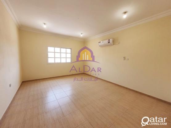 Three Bedroom Unfurnished Flat In Madinat Khalifa 11