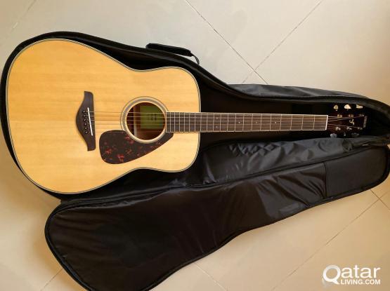 Yamaha FG820 Acoustic Guitar With Case