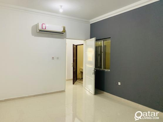 Spacious 1 bhk for rent At aziziya without partition, with roof acces