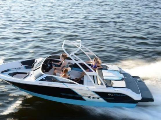 Four Winns Horizon 190 RS speed boat