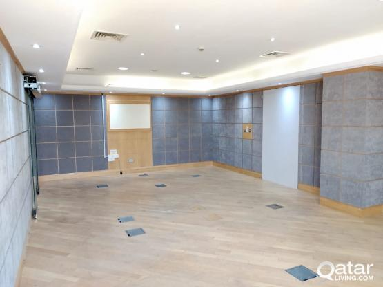 Promotion ! 140 Sqm Partitioned Office Space Available in Bank Street