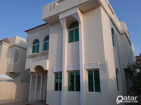 5 Bedroom + Maid room villa For rent at west bay