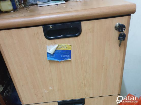3 cupboards  for storage    just you take all   خزانتان بحاجة الى تصليح الابواب