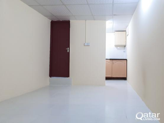 Studio Room/Flat (W/E Included) No Agency Fee Rent: 1,800 QR for bachelors
