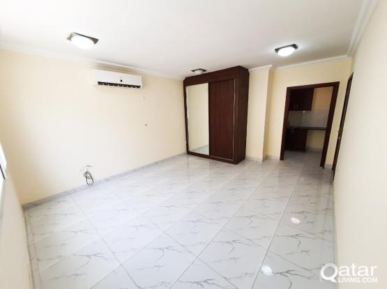 Spacious Studio/flat Available in Al Duhail for Family/Bachelors